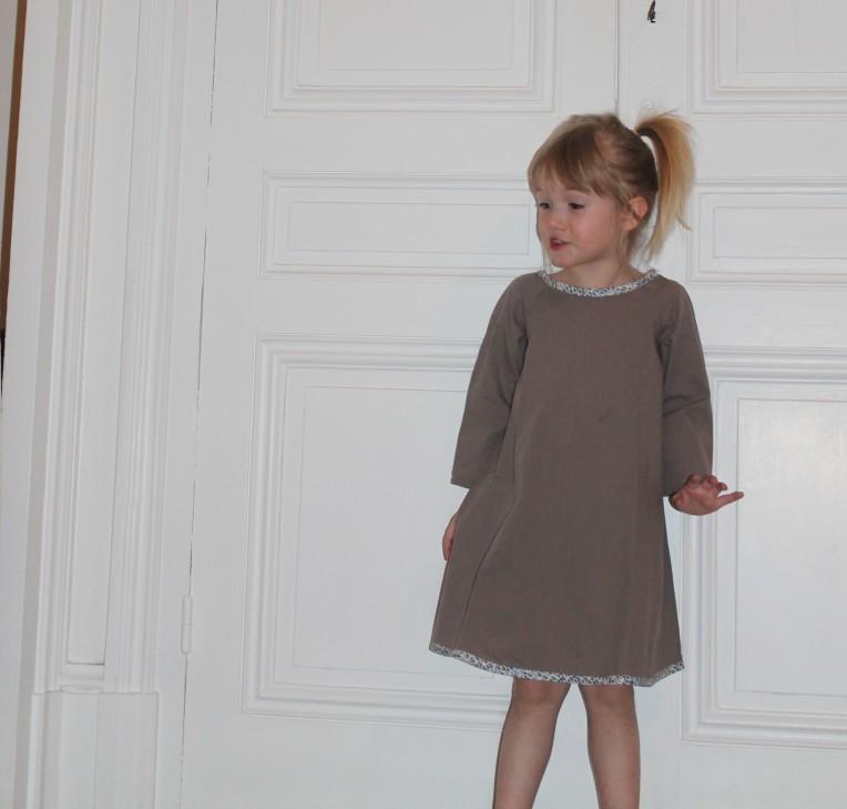 blog-couture-patron-coupe-couzu-enfant-manon (9)